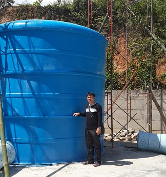 tangki air pembuatan di lokasi proyek